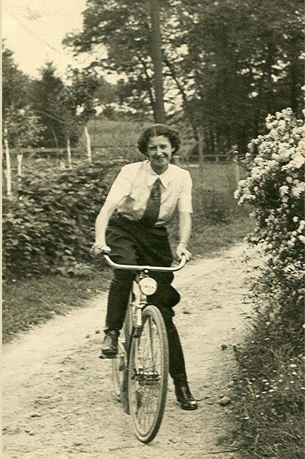 AntoniaPozzi_Casorate-Sempione_maggio-1937